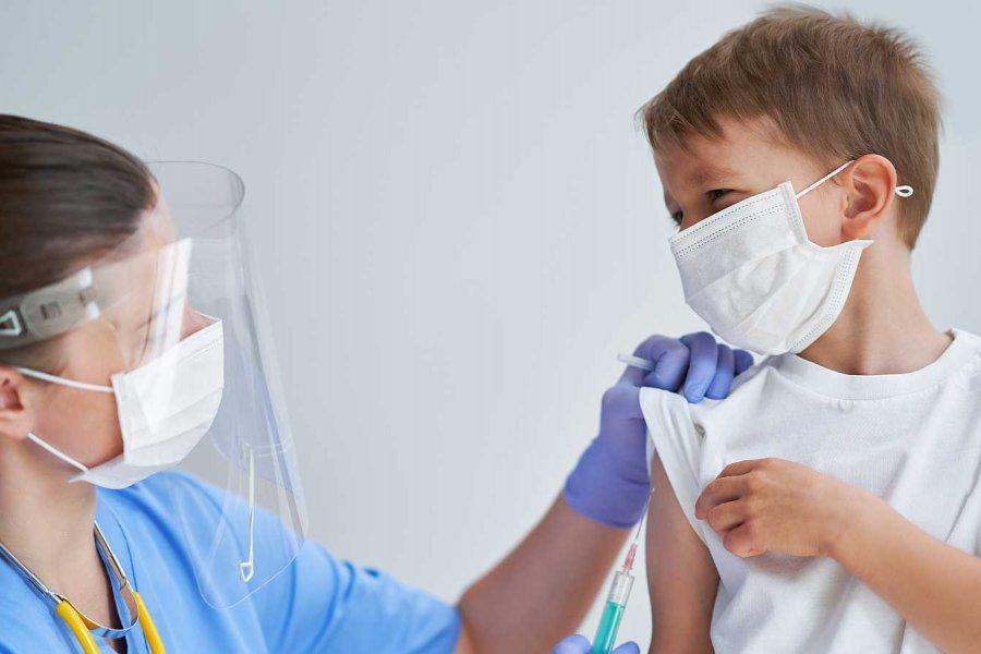 Vacunación COVID: Este lunes inicia la inscripción para personas de 12 a 17 años