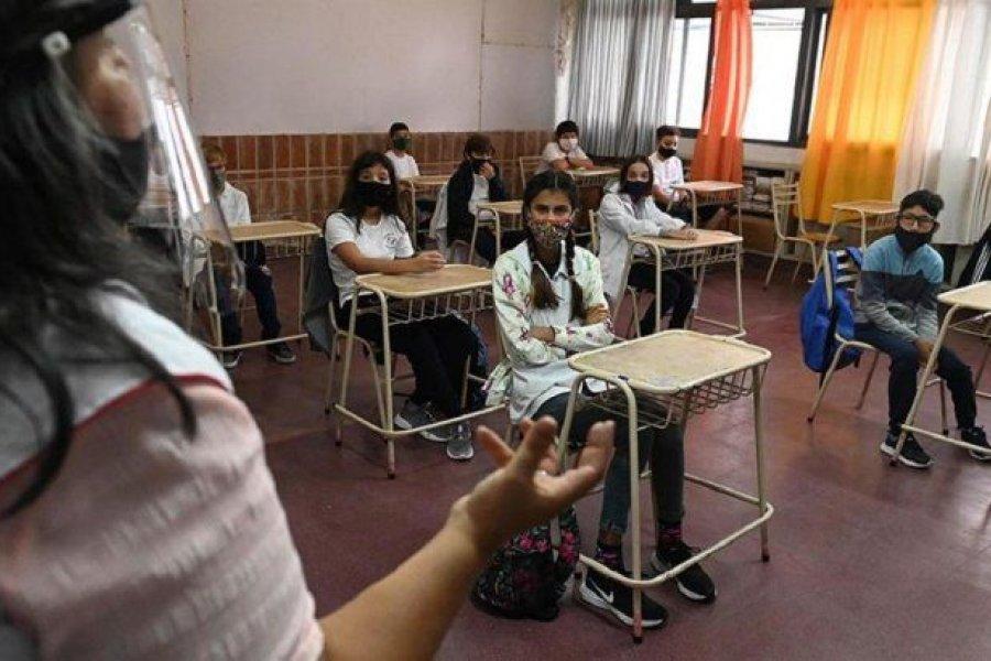 Vuelven las clases presenciales y las reuniones sociales en Córdoba