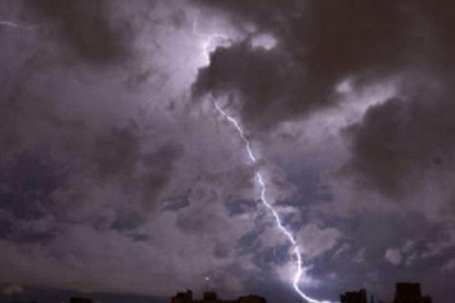 Advertencia por tormentas fuertes para varias localidades de Corrientes