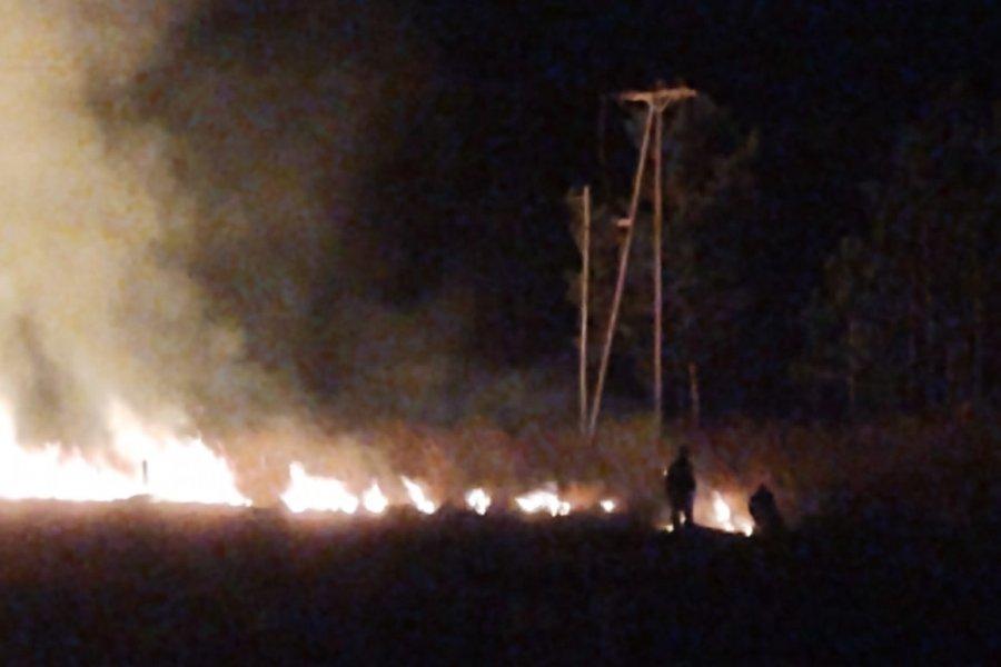 Solicitan evitar la quema de pastizales por los daños al sistema eléctrico