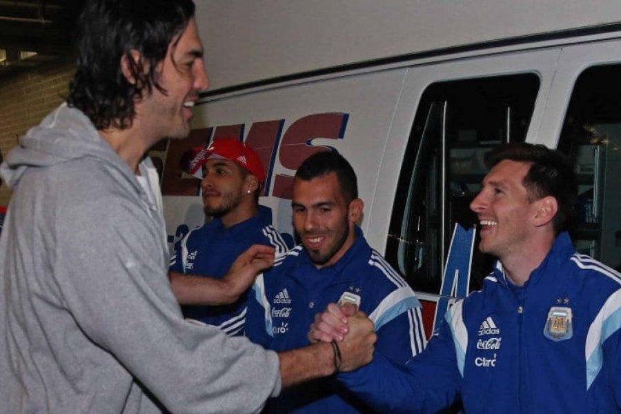 La emotiva despedida de Lionel Messi a Luis Scola