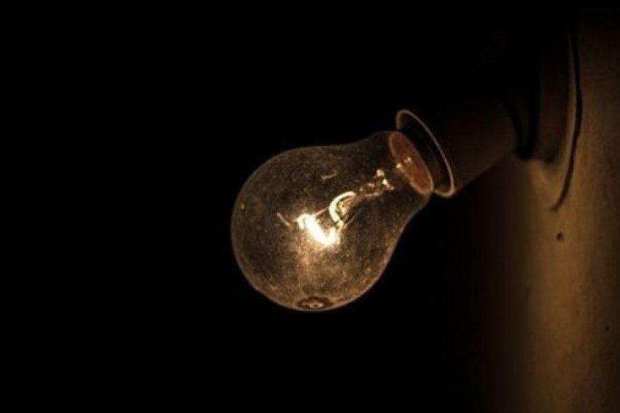 Bajón de tensión y apagones de energía en la Capital