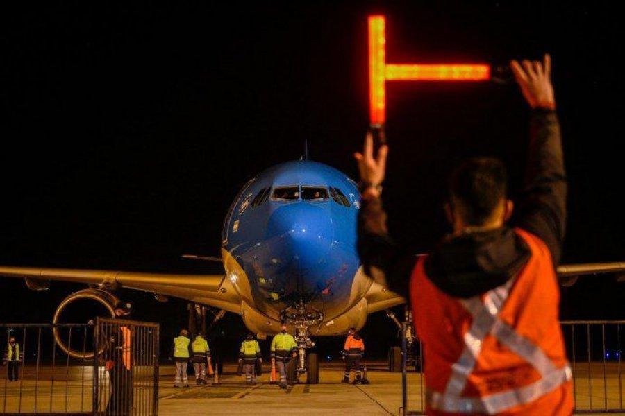 Llegó a Moscú el vuelo de Aerolíneas Argentinas que traerá más Sputnik V