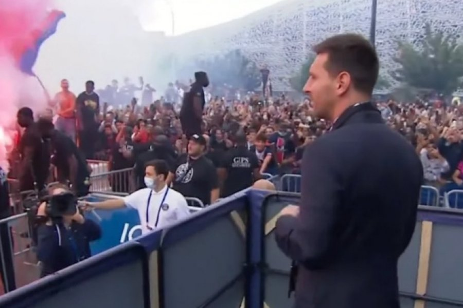 La locura de los hinchas parisinos tras la presentación formal de Messi en el PSG