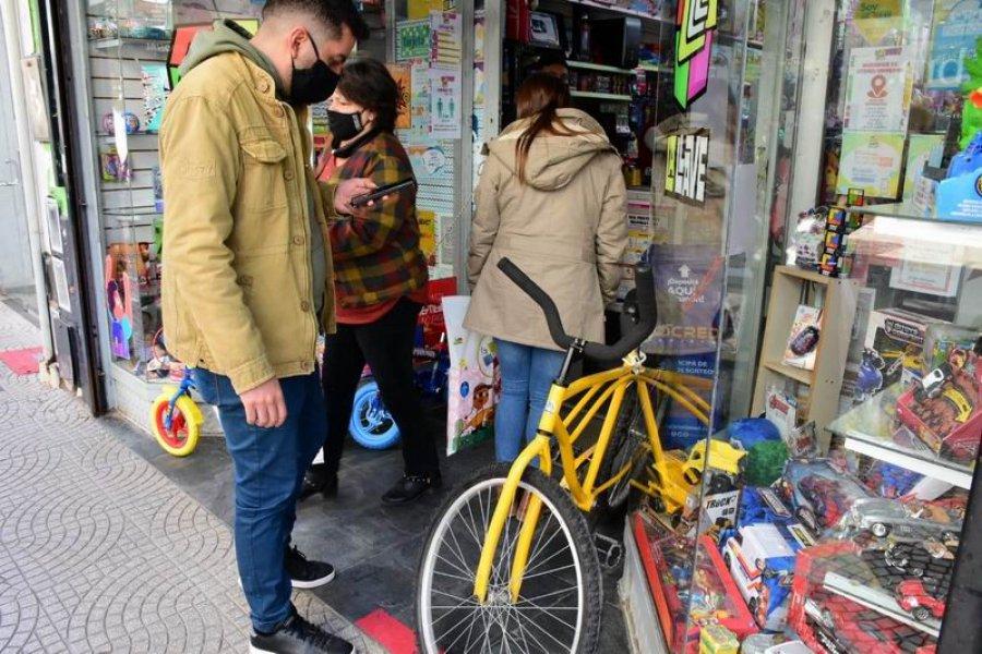 Fin de semana XL: Los comercios aprovechan las ventas para los niños