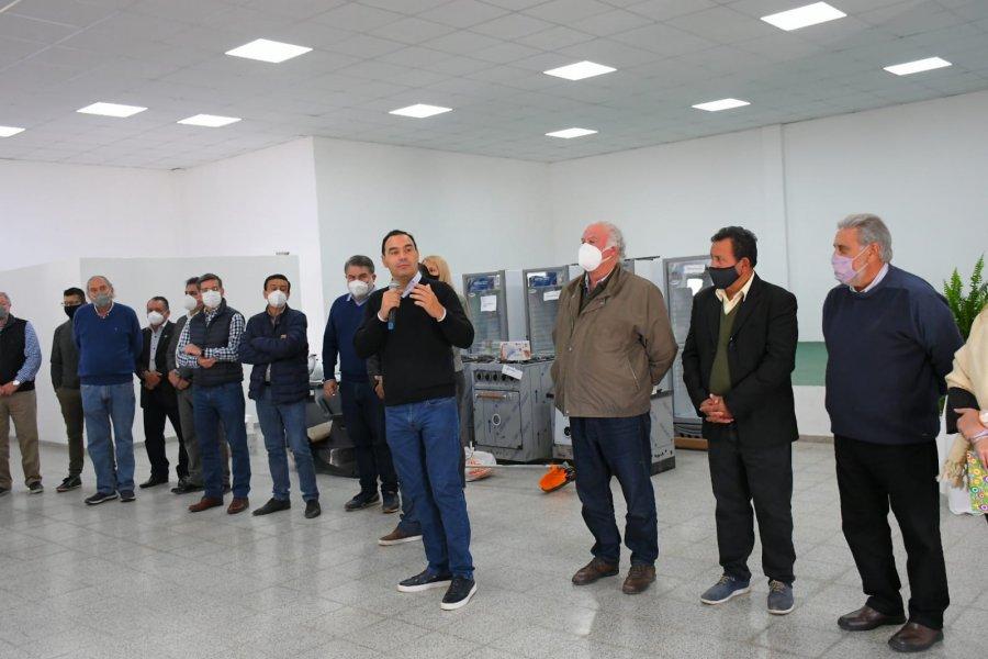 Valdés manifestó su apoyo a los emprendedores de Concepción entregando bienes de capital