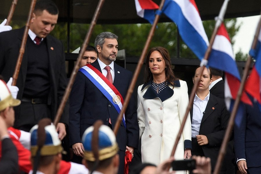 Tres años de Abdo en Paraguay: duras críticas por su gestión, pero una economía que crece