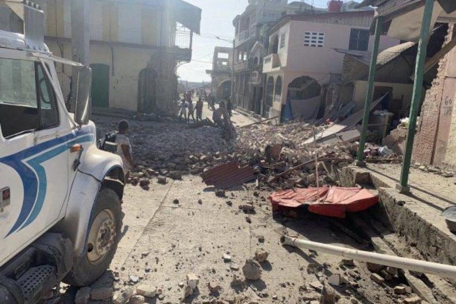 Terremoto en Haití: 724 muertos y cientos de personas atrapadas entre los escombros