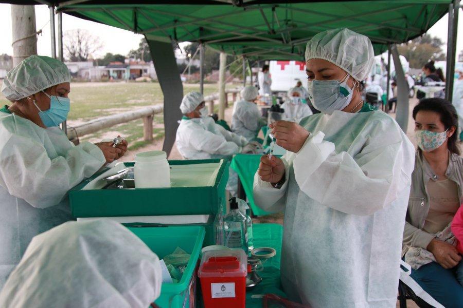 Completan esquemas de vacunación Covid-19 en barrios de Capital
