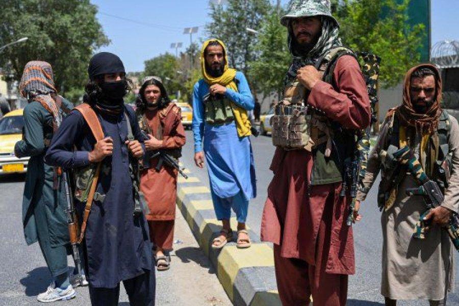 Sólo uno de los cuatro argentinos residentes en Kabul logró abandonar el país