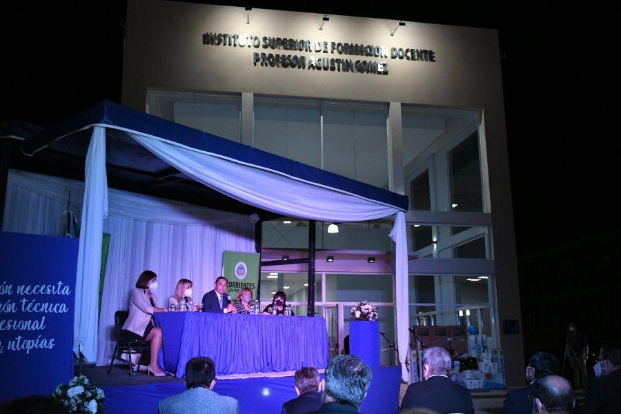 Valdés inauguró un moderno y amplio edificio para transformar a Paso de los Libres