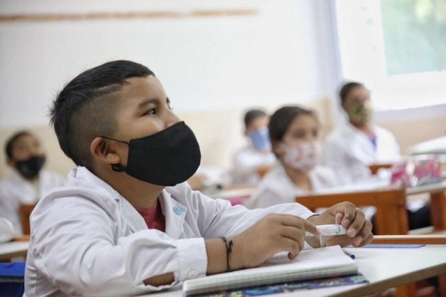 Directivos correntinos optan por sostener el uso de barbijos dentro de las escuelas
