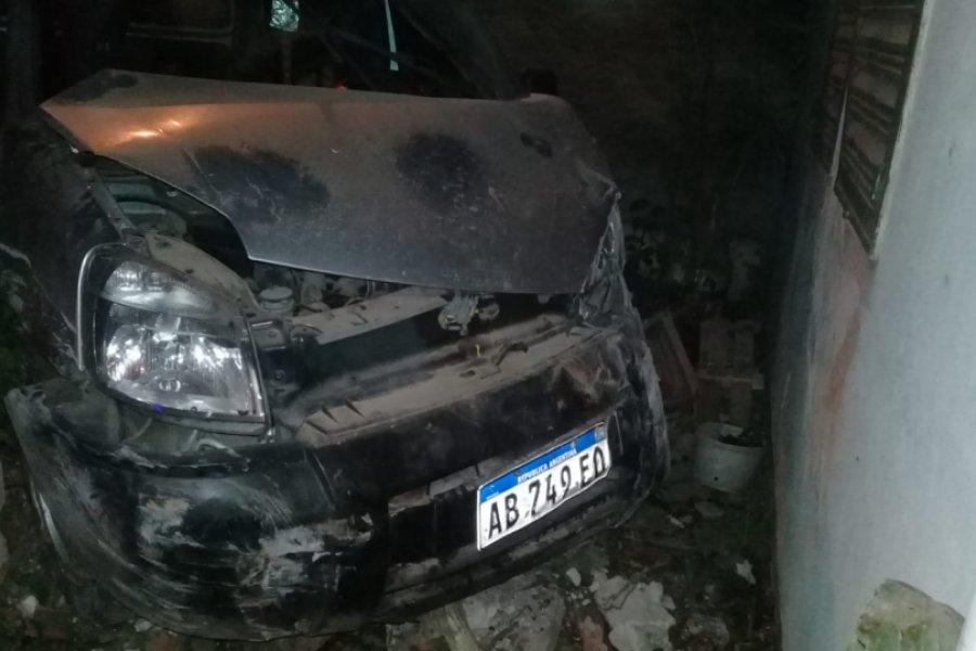 Conductor alcoholizado se incrustó contra una vivienda en Corrientes
