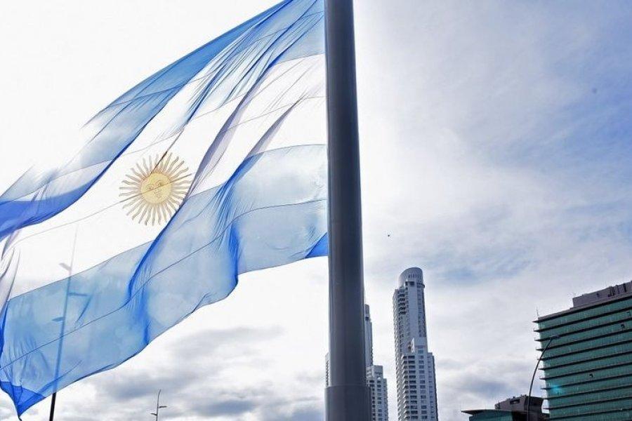 El año 2001, marcó el comienzo de la decadencia institucional, socio, política y económica de Argentina