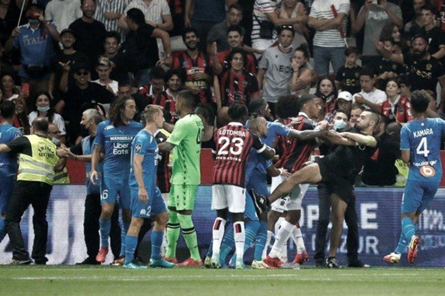 La Liga francesa obliga al Niza a jugar sin público tras los incidentes con el Marsella