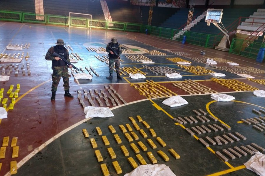 Prefectura secuestró más de 1.100 kilos de marihuana en Corrientes y Misiones