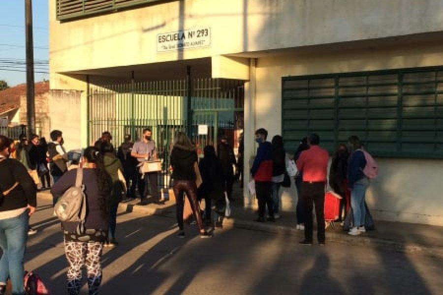 Elecciones en Corrientes con demoras y ausencias de autoridades de mesa