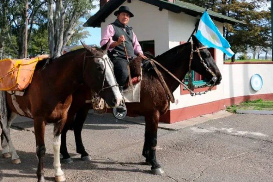 Un héroe de Malvinas cabalga hasta Yapeyú desde Buenos Aires