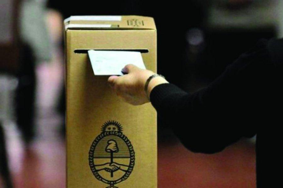 Mariano I. Loza vuelve a votar para desempatar y elegir intendente