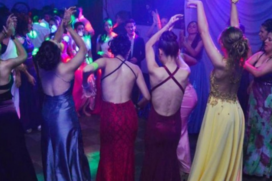 Dura advertencia epidemiológica por las fiestas y los eventos masivos