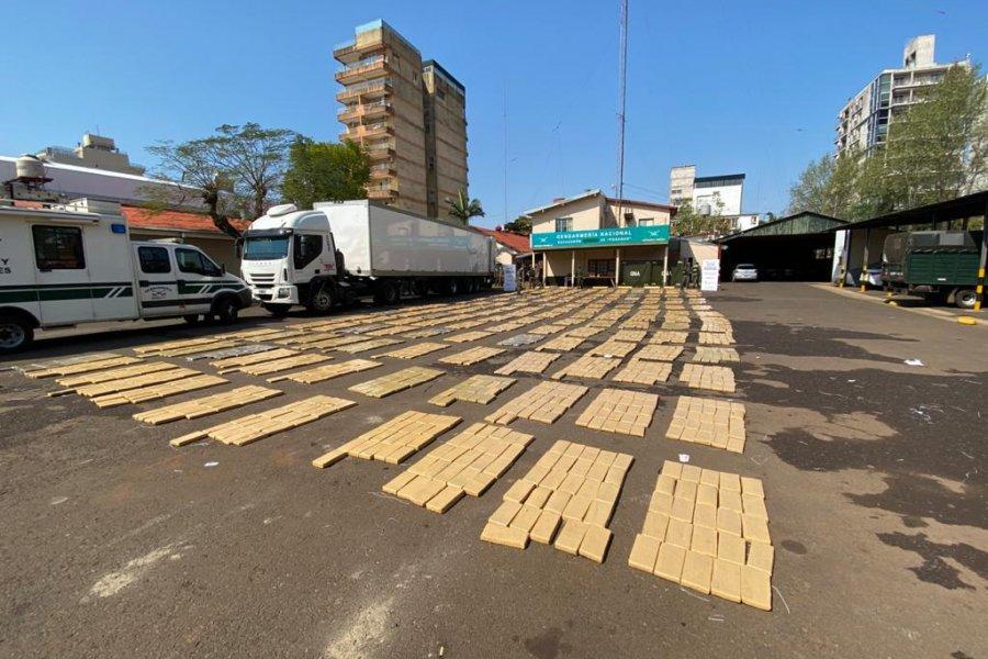 Misiones: Trasladaba más de 3.980 kilos de marihuana en un doble fondo de un camión