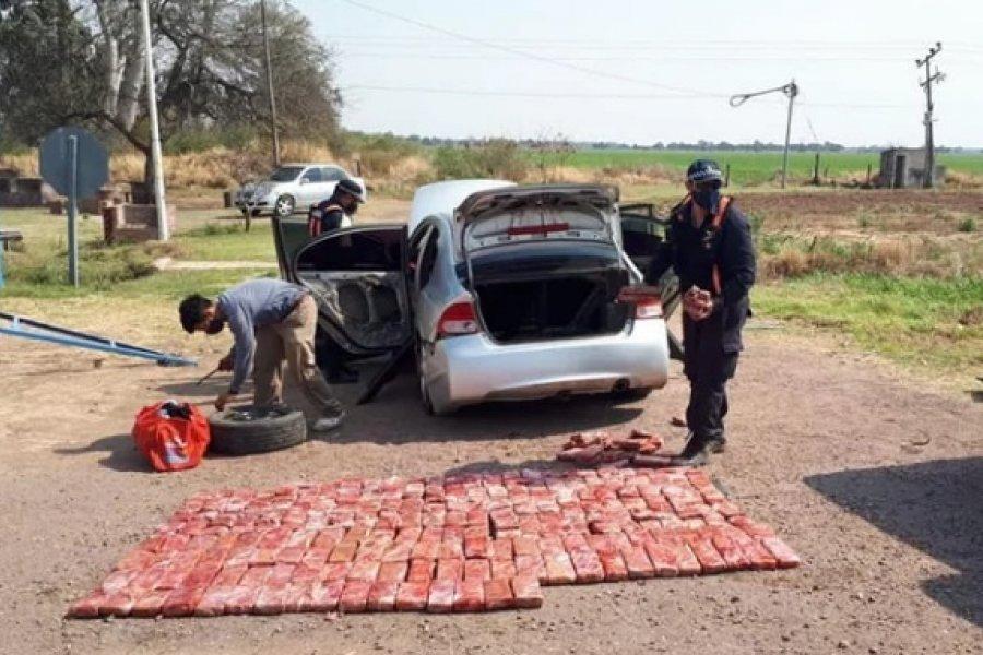 Se demoró a pareja de correntinos en el Chaco con 150 kilos de droga