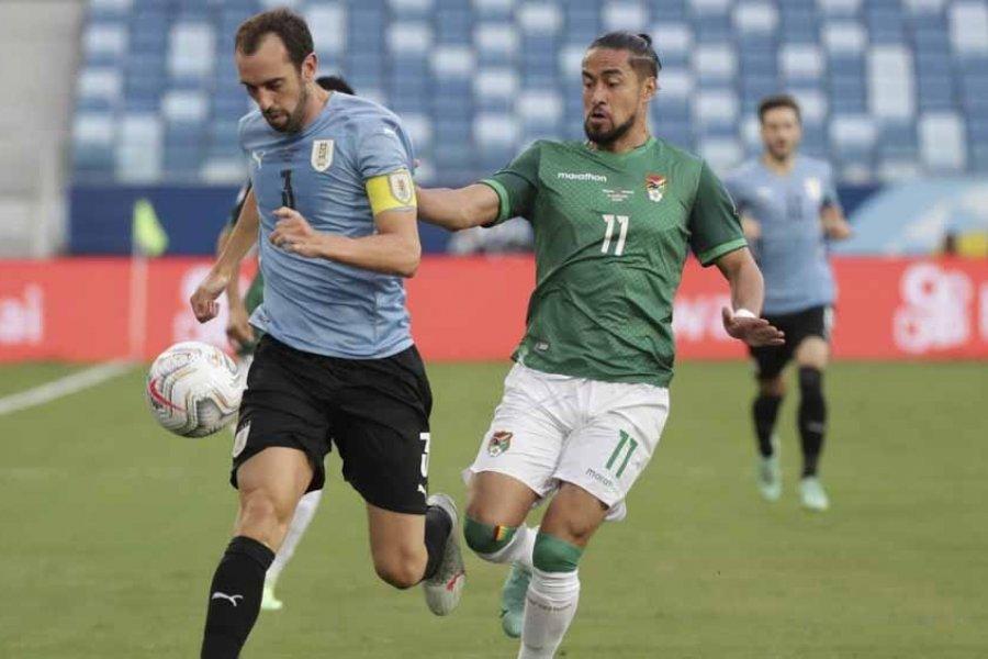 Uruguay se mide con Bolivia, con la ilusión de trepar posiciones