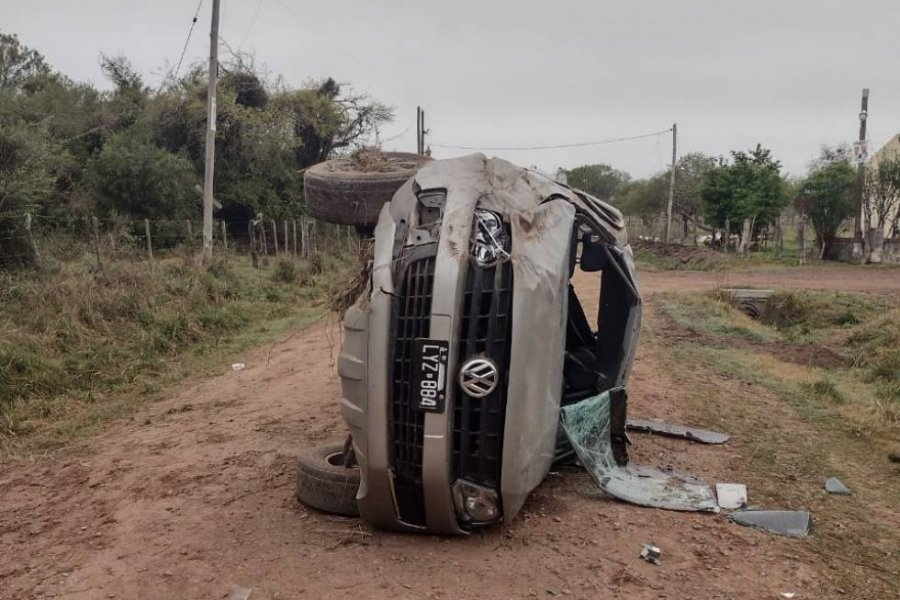 Un joven falleció luego de despistar una camioneta en un camino rural de Goya