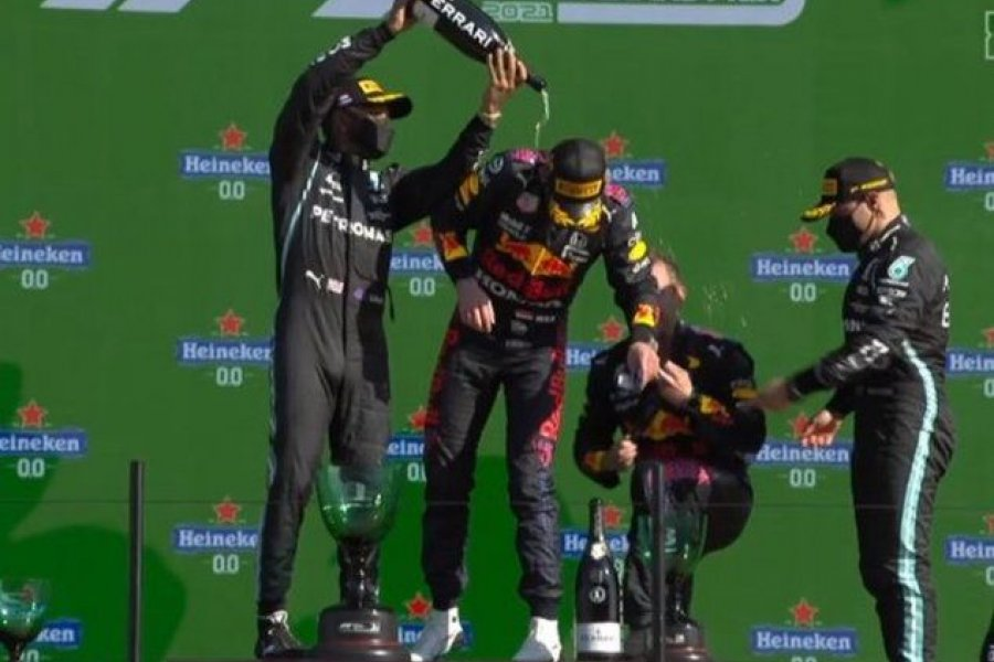 Verstappen ganó en Países Bajos de punta a punta y es el nuevo líder de la Fórmula Uno