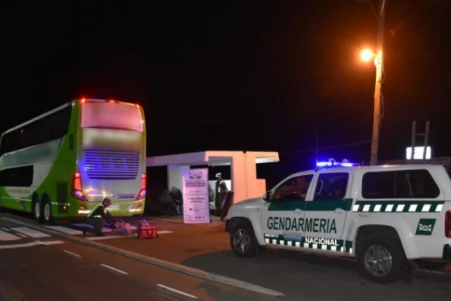 Detuvieron a dos pasajeros de un colectivo con más de 16 kilos de droga