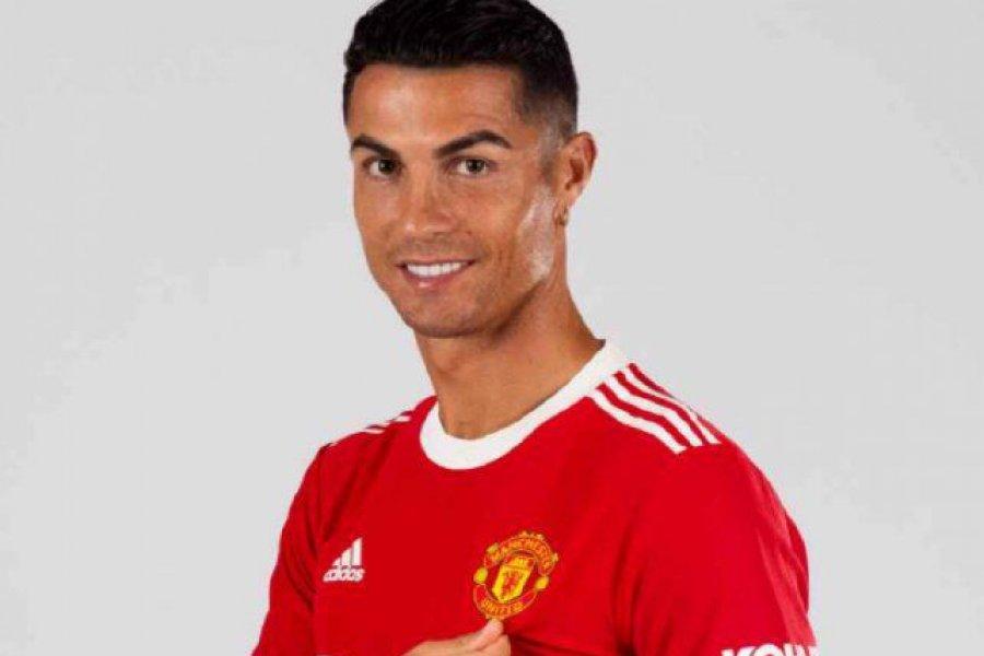 Cristiano Ronaldo debuta en Manchester United