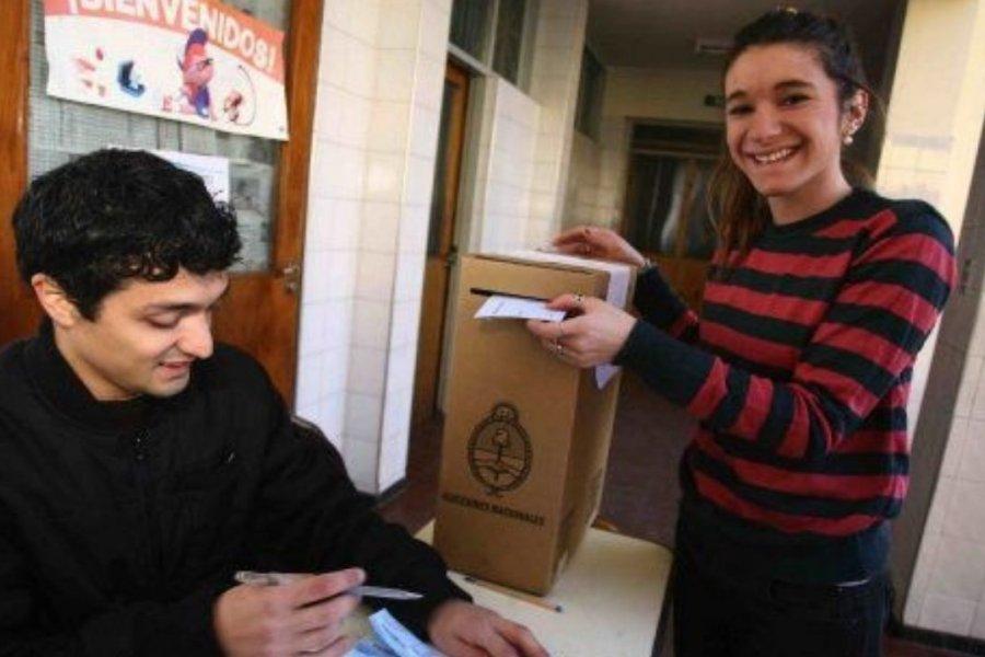 Más de 22.600 correntinos de 16 y 17 años votan por primera vez este domingo