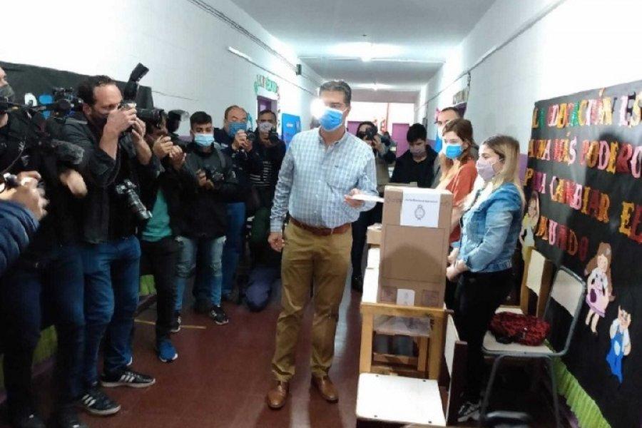 Capitanich ya votó y estimó una participación de entre el 54 y 75% del electorado