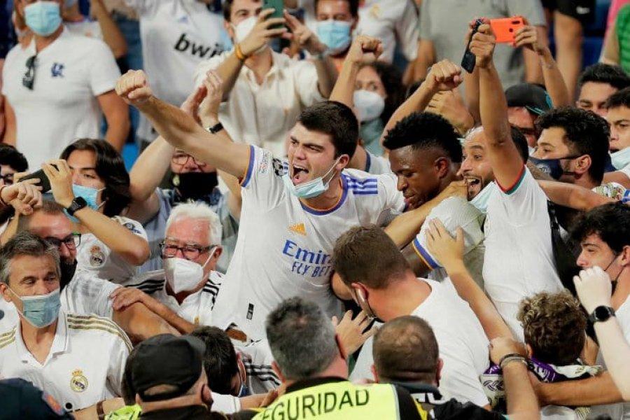 Vinicius festejó su gol en la tribuna en la vuelta de Real Madrid al Santiago Bernabéu