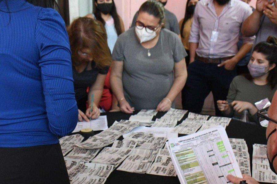 Comenzó el escrutinio definitivo de las PASO en Corrientes