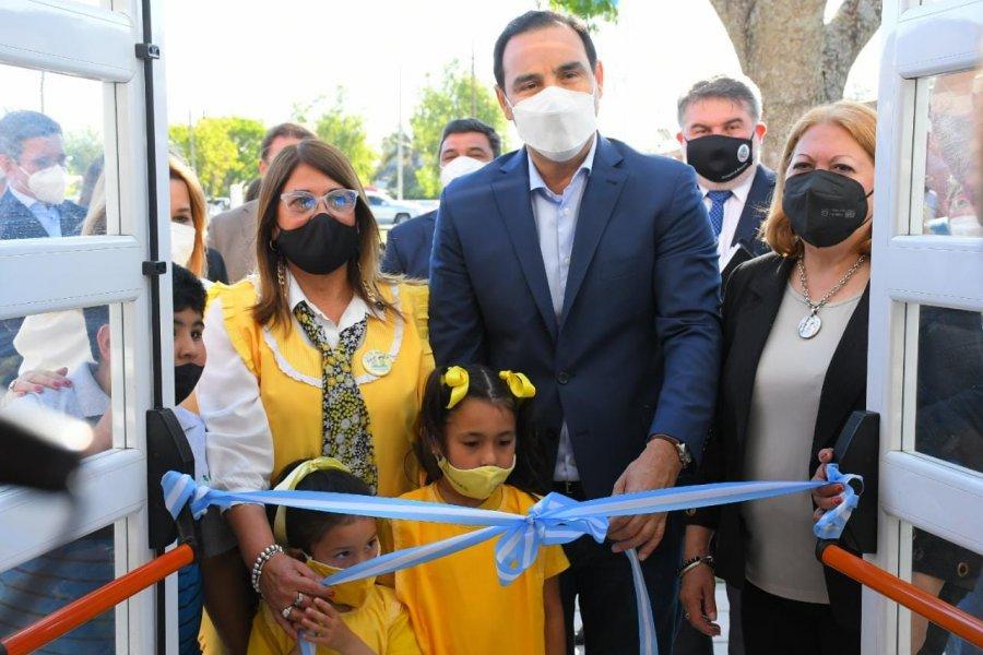 Valdés inauguró un Jardín de Infantes en Esquina