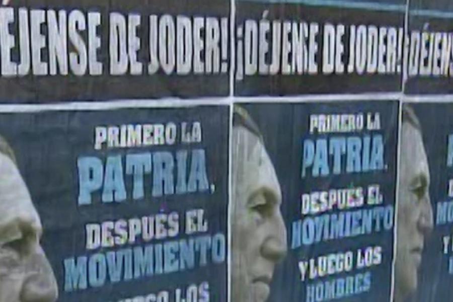 """Crisis del Gobierno: CABA amaneció con afiches de Perón y la leyenda """"déjense de joder"""""""