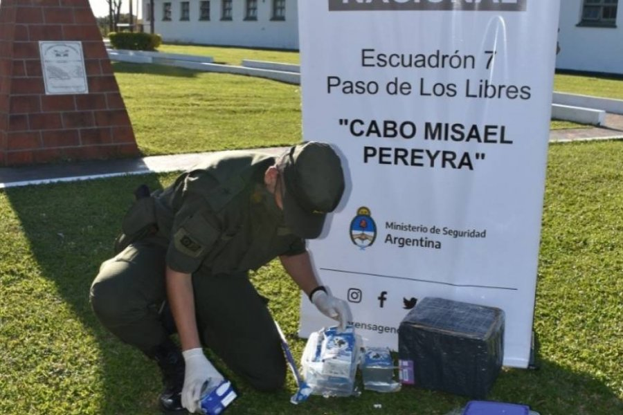Corrientes: Llevaban marihuana dentro de cinco cartones de leche