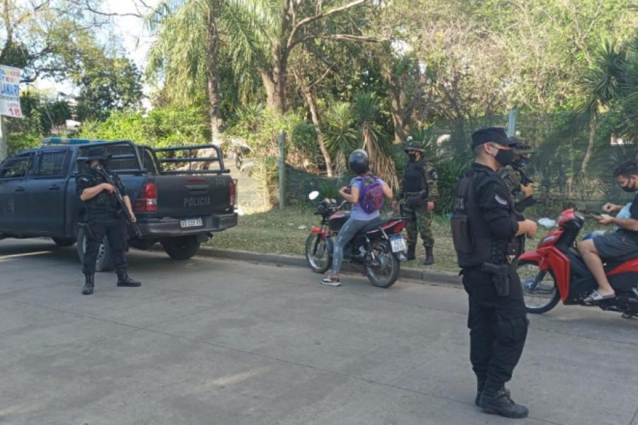 La policía demoró a 20 personas y secuestró 19 motos sin papeles