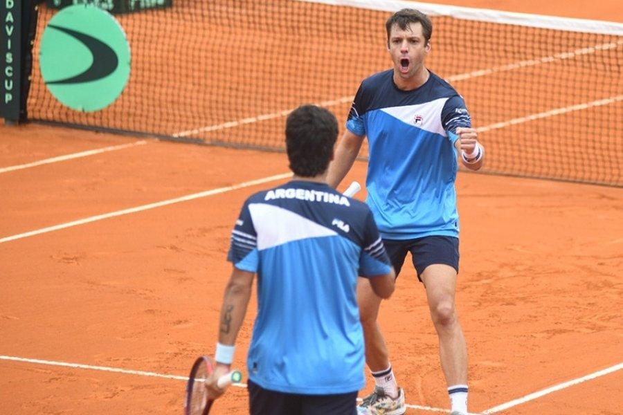 Argentina la ganó el dobles a Bielorrusia y tomó ventaja en la serie