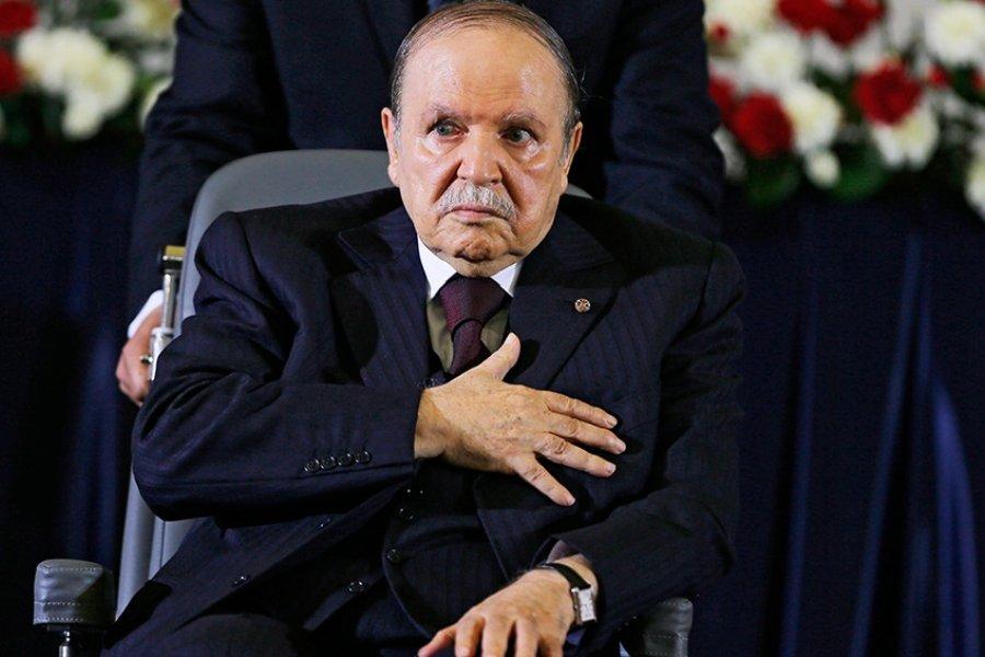 Enterraron al expresidente argelino Bouteflika en medio de un clima de indiferencia social