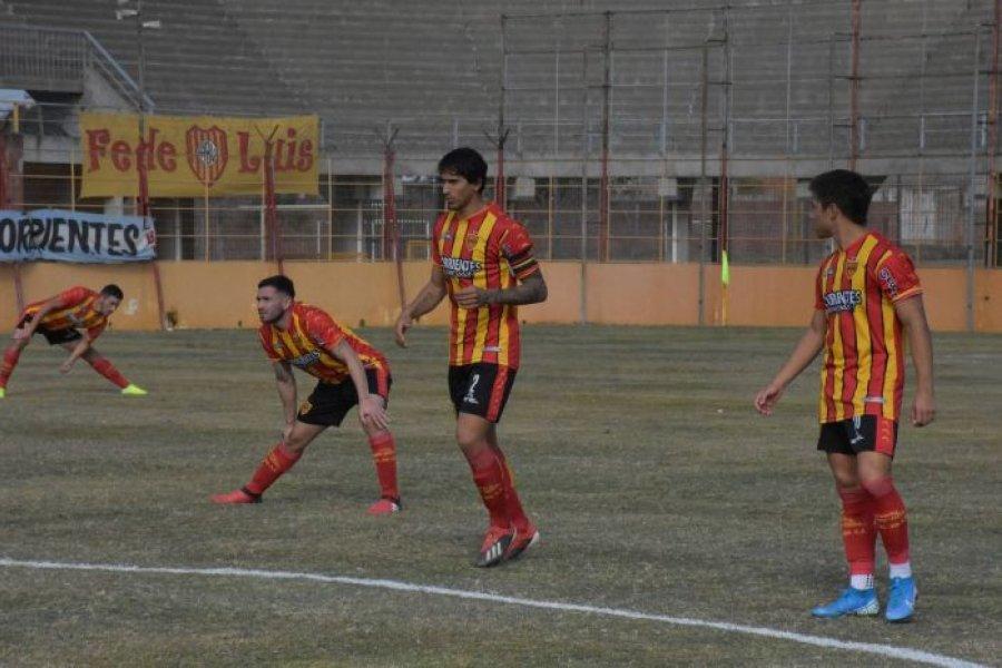 Boca Unidos venció por 3-0 de local a Juventud Unida