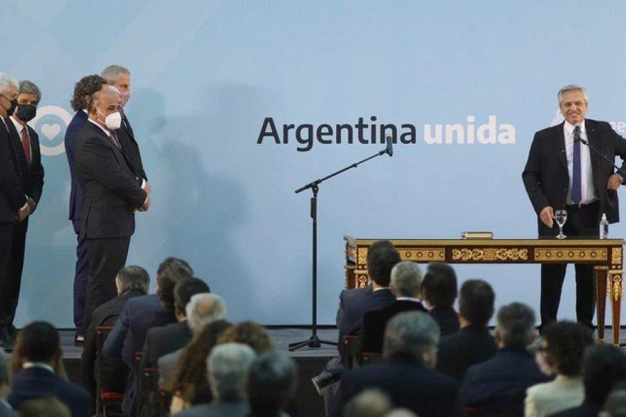 El presidente Alberto Fernández tomó juramento a los nuevos ministros