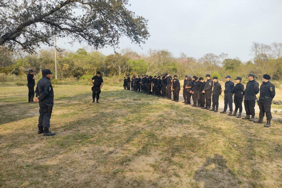 Policías realizaron prácticas de tiro, trabajos propios de grupo especiales