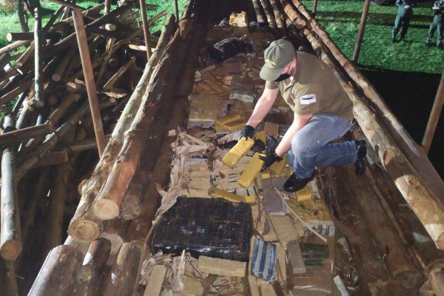 Trasladaban más de cinco toneladas de marihuana ocultas entre rollos de madera