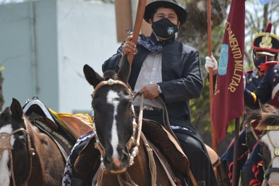 Llegó a Yapeyú el excombatiente de Malvinas que cabalgó desde Buenos Aires