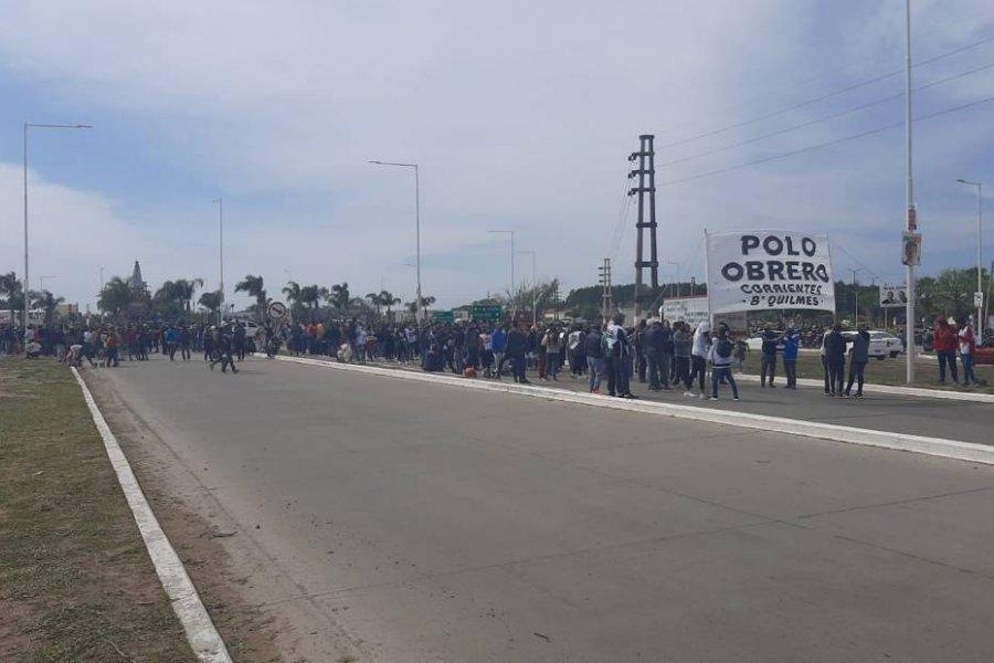 Piqueteros cortaron uno de los principales accesos a Corrientes
