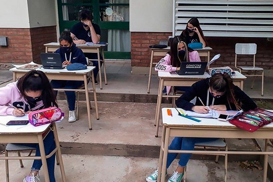 Invertirán $5 mil millones para buscar alumnos que abandonaron la escuela en pandemia