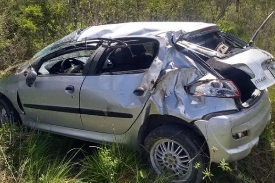 Mujeres lesionadas tras el despiste y vuelco de un auto
