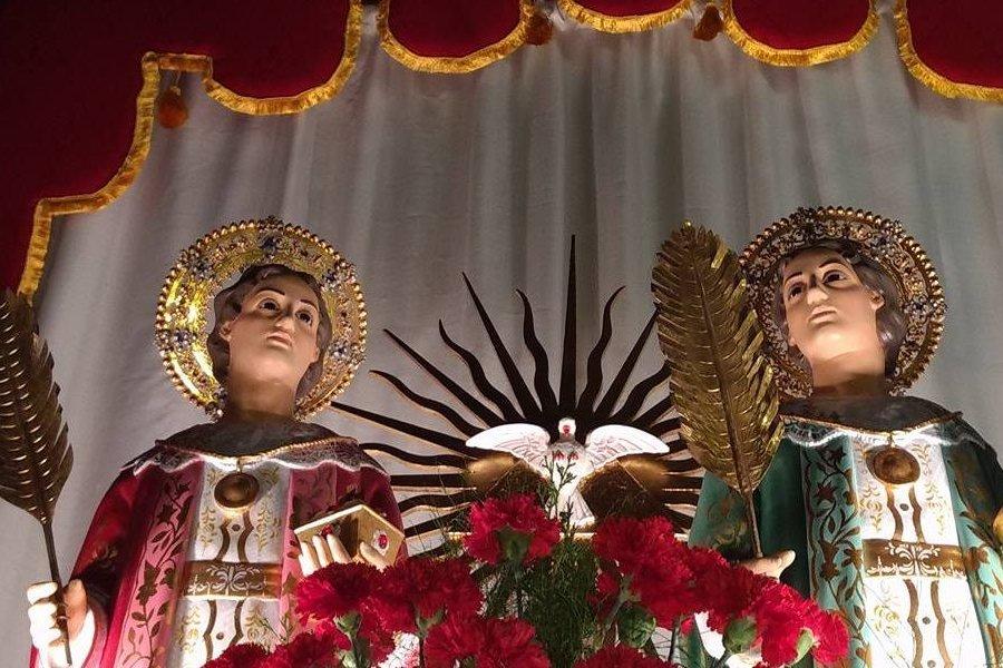 La  Iglesia Católica celebra hoy a San Cosme y San Damián, gemelos mártires patronos de médicos